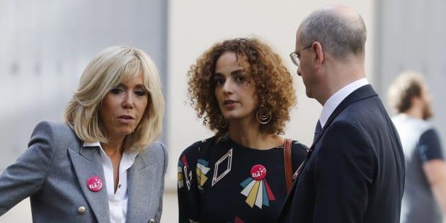 L'écrivaine franco-marocaine Leïla Slimani, aux côtés de la première dame Brigitte Macron et du ministre de l'Education Jean-Michel Blanquer.
