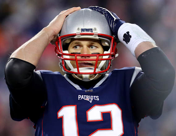 Sources shed light on Tom Brady's hand injury