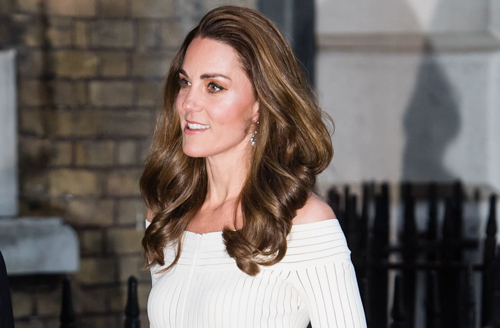 Duchess Kate exudes glamour in white dress at charity dinner 1