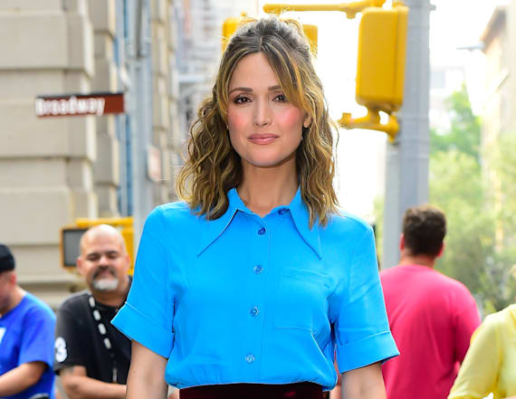 Rose Byrne wants a parenting manual