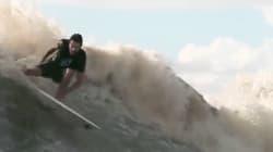 El surfista que limpia