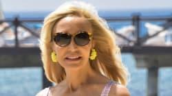 Carmen Lomana, orgullosa al pensar que el 'Cara al sol' se escucha en medio