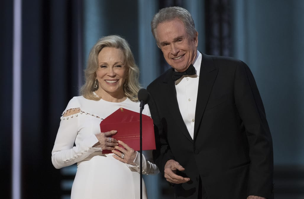Oscars reportedly brings back Warren Beatty, Faye Dunaway