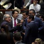 Morena utiliza su superpoder en la Cámara de Diputados y frena evaluación