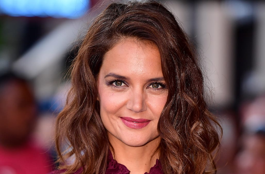Katie holmes debuts stylish pixie cut for fall see her new do katie holmes debuts stylish pixie cut for fall see her new do winobraniefo Image collections
