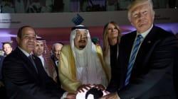 Esta foto de Trump en Arabia Saudita está provocando muchas, muchas