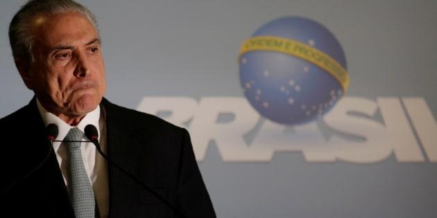 Na tarde de hoje, o presidente afirmou que não renunciará e negou participação na propina para Cunha em troca de seu silêncio.