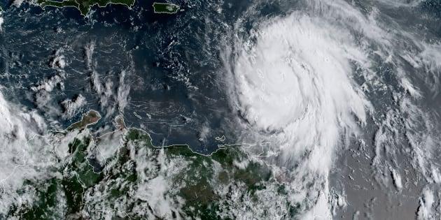 """Maria devient un ouragan """"extrêmement dangereux"""" de catégorie 4"""