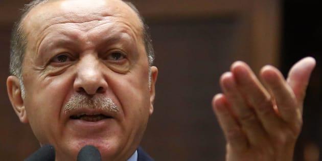 """La violente charge de Recep Tayyip Erdogan contre le """"manifeste des 300"""" sur l'antisémitisme et Sarkozy"""