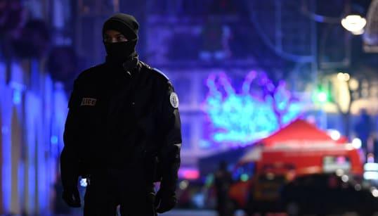Francia eleva su nivel de alerta antiterrorista y refuerza sus
