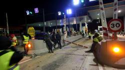 La Fiscalía investiga a los Mossos por no impedir los cortes de carretera de los