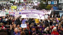 Miles de personas salen a la calle en España contra la violencia