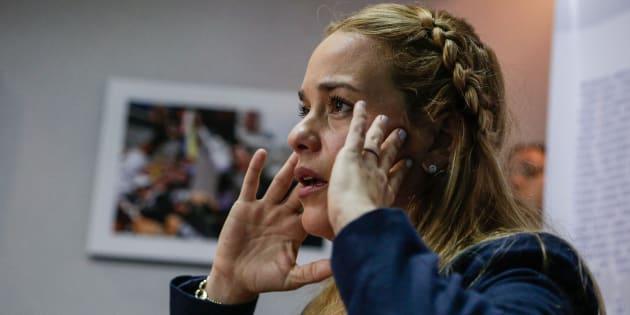 Lilian Tintori, esposa del dirigente opositor preso Leopoldo L�pez, ofrece una rueda de prensa el pasado martes 28 de agosto.