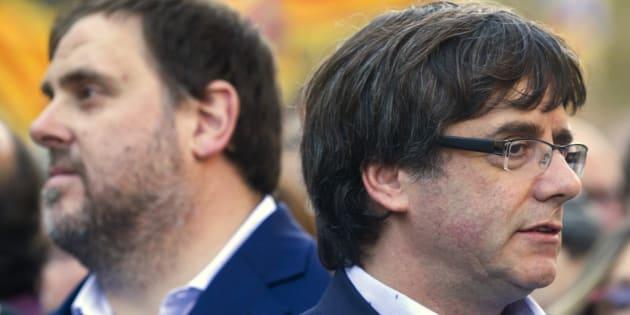 El presidente de la Generalitat, Carles Puigdemont, junto al vicepresidente Oriol Junqueras.