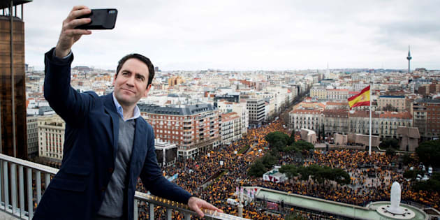 'Selfie' de García Egea en Colón.