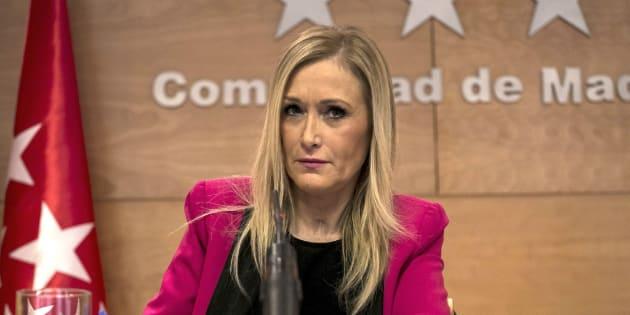 La presidenta de la Comunidad de Madrid, Cristina Cifuentes, durante una rueda de prensa. EFE/Santi Donaire