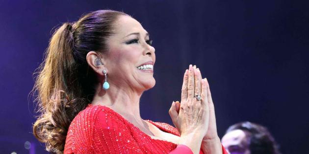 Isabel Pantoja durante el concierto de Las Palmas.