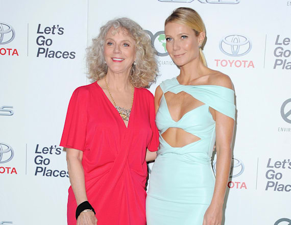 Gwyneth Paltrow and mom rock matching bizarre looks