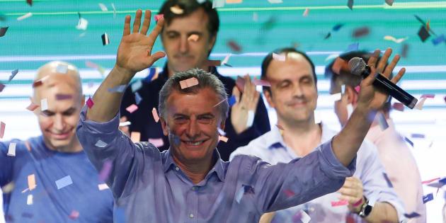El presidente argentino, Mauricio Macri, celebra los resultados este domingo.