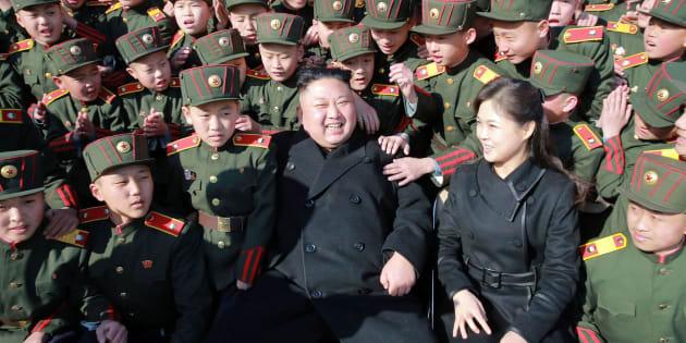 Imagen de archivo de Kim Jong-Un y su mujer,  Ri Sol-ju.