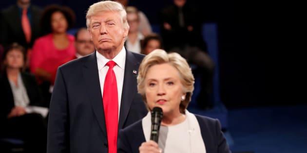 Imagen de archivo de Donald Trump y Hillary Clinton durante la campaña electoral de 2016.