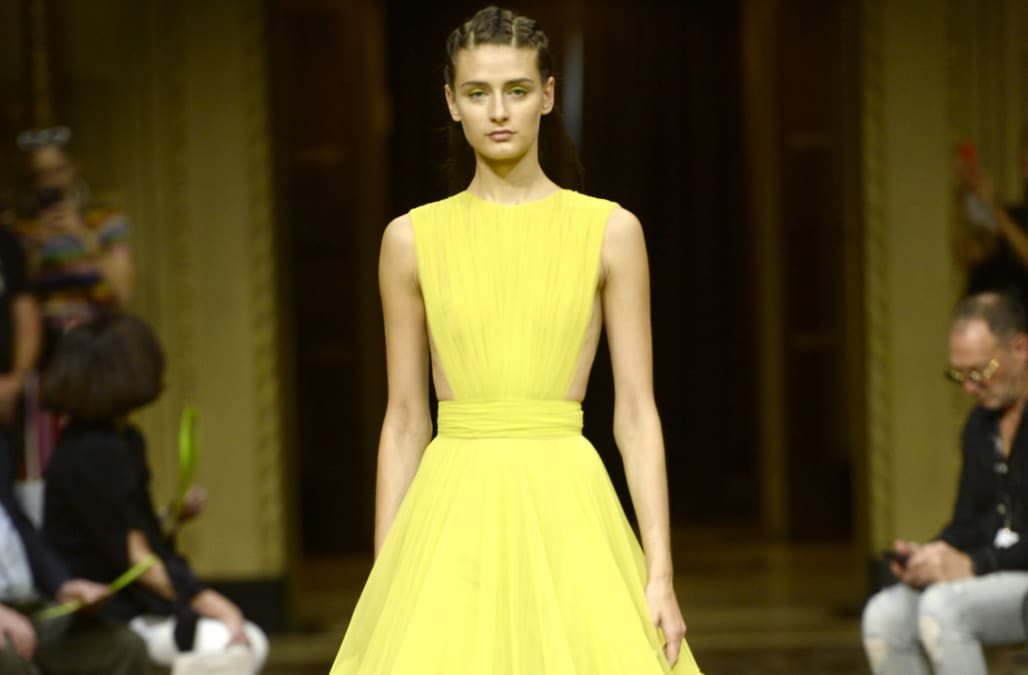 Nyfw Siriano S Spring 2019 Collection Flies Us Straight To Hawaii