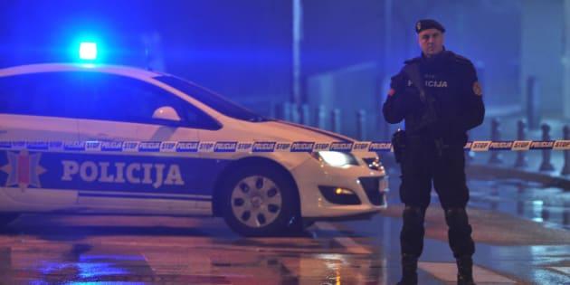 La Policía bloquea la zona que rodea la Embajada estadounidense en Montenegro este miércoles 22 de febrero de 2018.