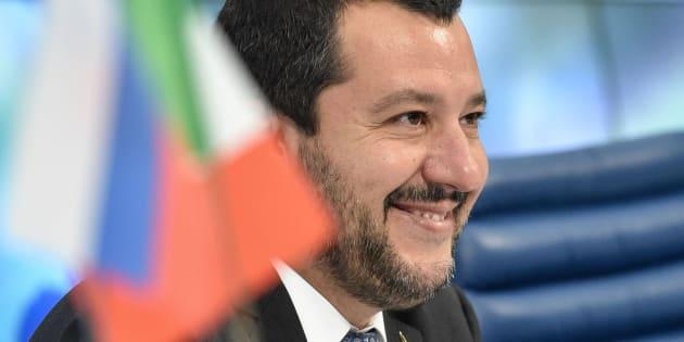 El Xenfobo Ministro Del Interior Italiano Aparece Semidesnudo En La Portada De XL Semanal