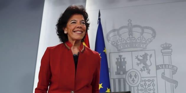 La portavoz del Gobierno y ministra de Educación, Isabel Celaá, este viernes.