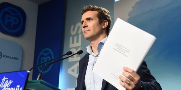 Pablo Casado, el mes pasado, durante la rueda de prensa en la que ofreció explicaciones sobre su máster.