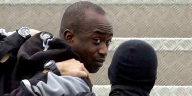 Youssouf Fofana le 4 mars 2006 à l'aéroport d'Abidjan.
