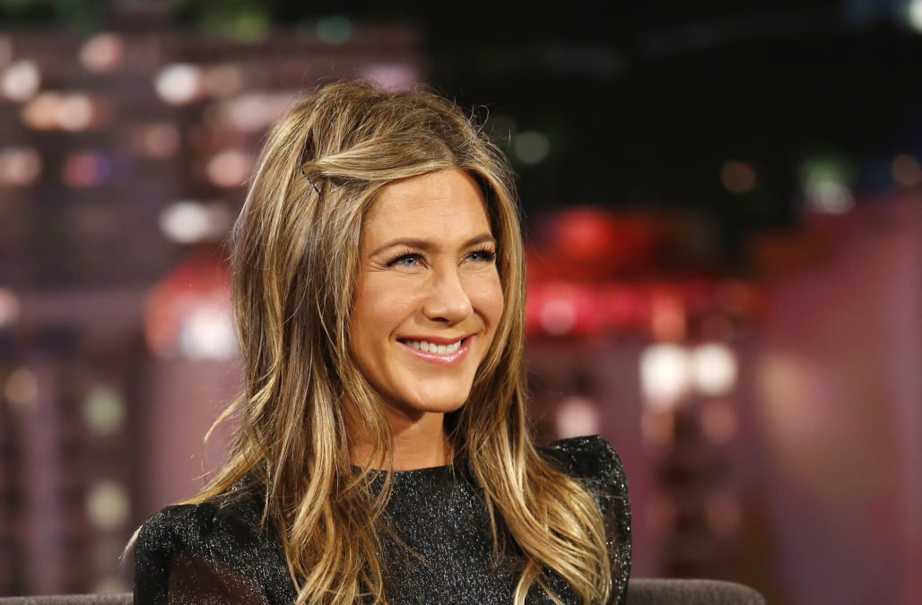 Jennifer Aniston spends post holidays with pals Jimmy ...