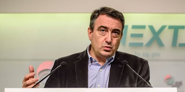 El portavoz del PNV en el Congreso, Aitor Esteban, comparece en una rueda de prensa en Bilbao. EFE/ Javier Zorrilla