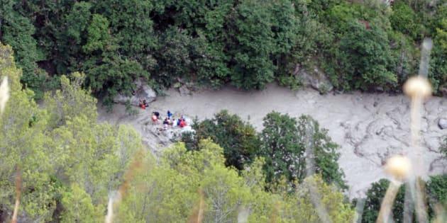 Fotografía aérea del rescate de afectados por la inundación en Civita.