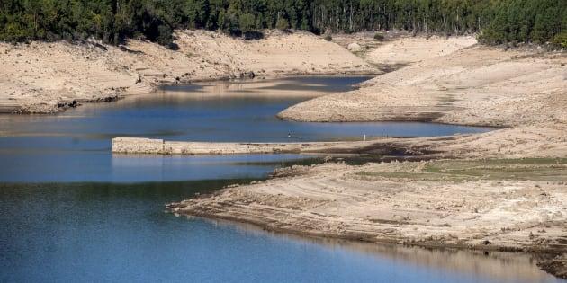 Aspecto que presenta el caudal del río Limia a su paso por el municipio orensano de Lobios (Galicia).
