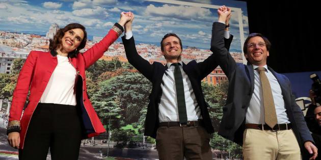 Pablo Casado presenta a Isabel Díaz Ayuso y José Luis Martínez-Almeida como candidatos a la Comunidad y la Alcaldía de Madrid, respectivamente.