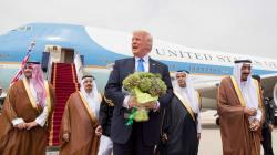 Trump vende a Riad armi per 110 miliardi di