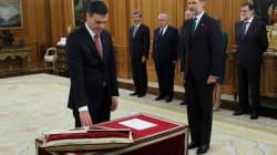 Pedro Sánchez promete su cargo de presidente ante el rey sin Biblia ni