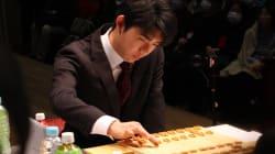 藤井聡太五段、史上最年少で優勝&六段昇進