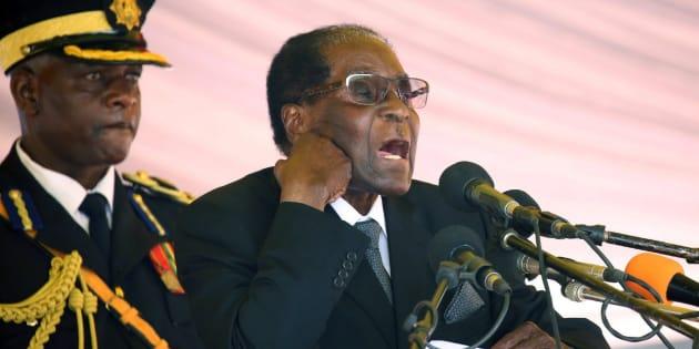 Fotografía de archivo tomada el 1 de noviembre de 2017 del presidente de Zimbabue, Robert Mugabe.