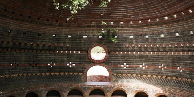 Casa de Cal-Earth, California, diseñada con el método altamente sustentable del arquitecto iraní Nader Khalili.