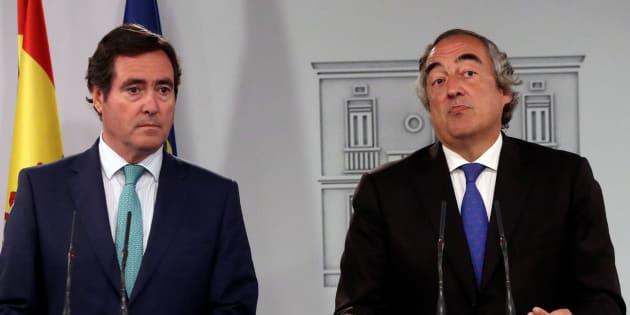 Antonio Garamendi, presidente de Cepyme, y Juan Rosell, presidente de la CEOE, en el Palacio de La Moncloa.
