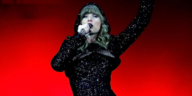 Taylor Swift performs at ANZ Stadium on November 2, 2018 in Sydney, Australia.