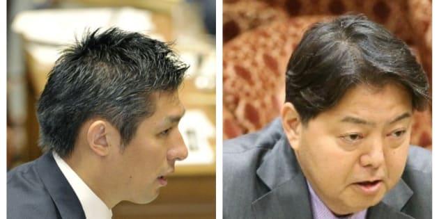 寺田学・衆院議員(左)と林芳正文部科学相=過去の国会討議の写真から