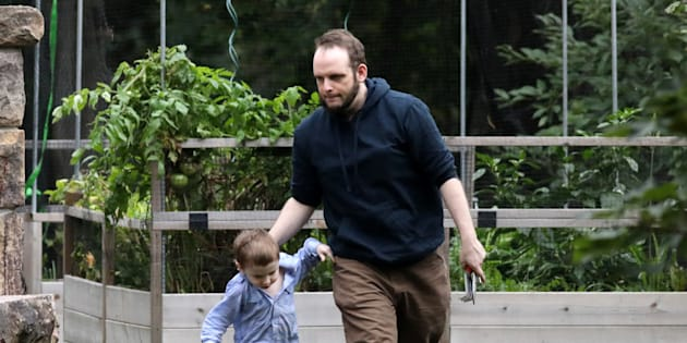 Joshua Boyle et un de ses enfants