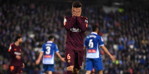 Denis Suárez se lamenta de una ocasión perdida en el partido de ida de cuartos de la Copa del Rey frente al Espanyol.