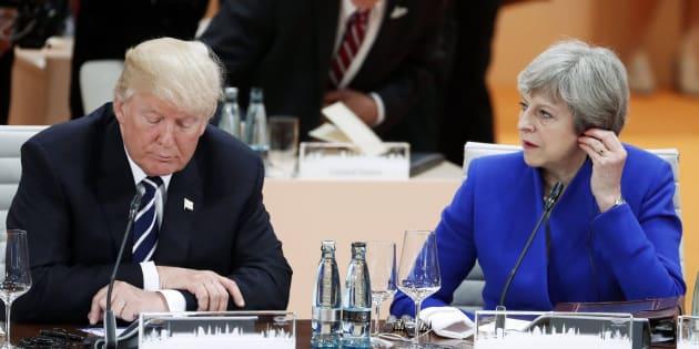 El presidente estadounidense, Donald Trump (i), y la primera ministra británica, Theresa May (d).