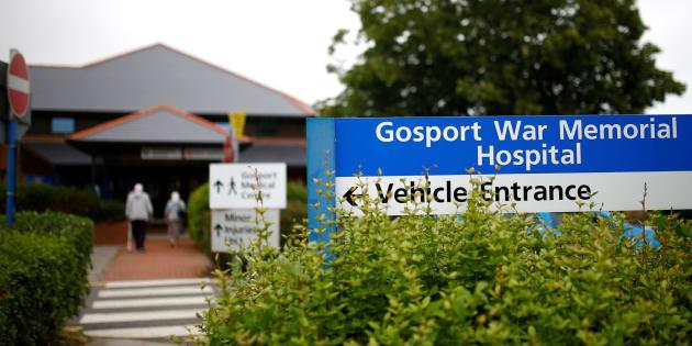 Entrada del Hospital Gosport War Memorial.
