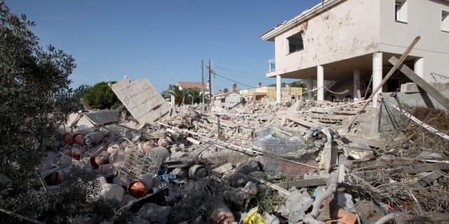 La casa de la célula en Alcanar (Tarragona) donde guardaban el explosivo, tras estallar accidentalmente.