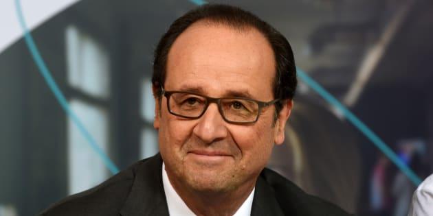 La popularité de François Hollande remonte de deux points en décembre.